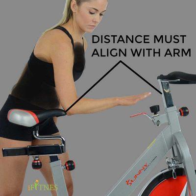 طرز صحیح نشستن بر روی دوچرخه ثابت